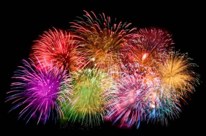 uno-spettacolo-di-fuochi-d-artificio-per-una-festa-scoppiettante